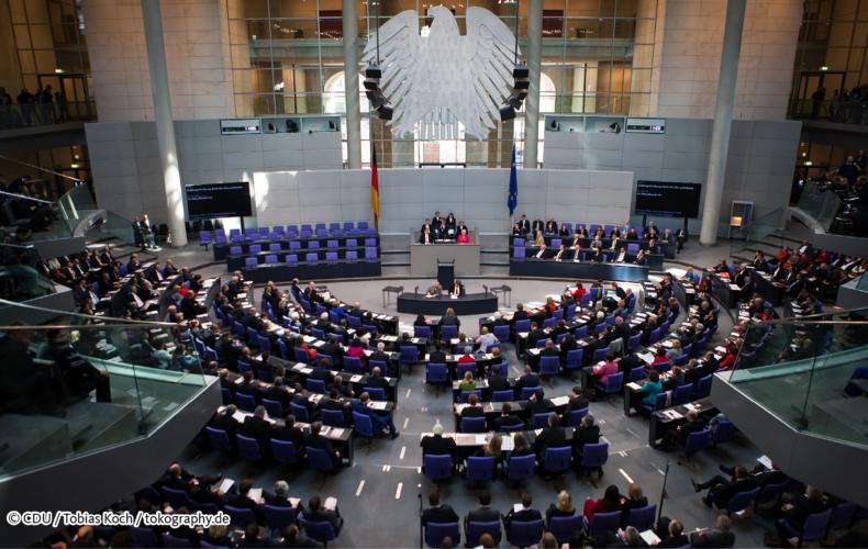 Acht neue Gesetze zu Asyl & Migration